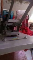 Máquina de chinelo e estampa