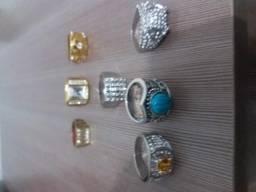 Anéis femininos e masculinos de bijouteria importados novos e pulseiras de couro e stress