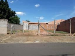 Terreno plano e murado na Vila Industrial