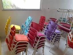 Conjuntos e cadeiras escolares 6 lugares e nicho central