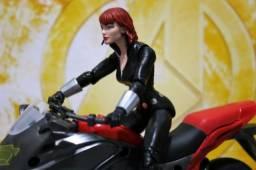 Marvel Legends Black Widow Viuva Negra com Motocicleta (original hasbro)