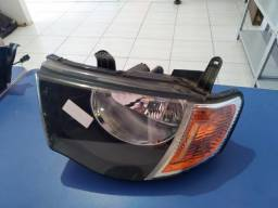 Farol lado esquerdo Mitsubishi Triton 2012