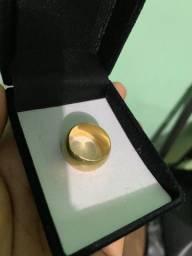 Vendo aliança ouro 18 k! 16 gramas