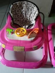 Andador  semi nono apenas  5 meses de uso muito prático  para o bebê