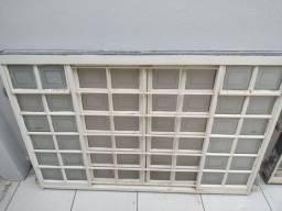 Vende-se 2 janelas  sasazaki