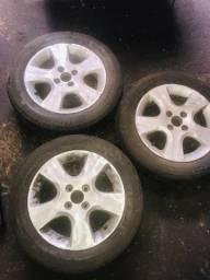 3 Rodas somente Honda Fit com 2 pneus meia vida