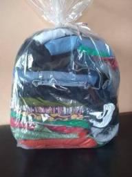 Vendo roupas pra brechó bem conservadas