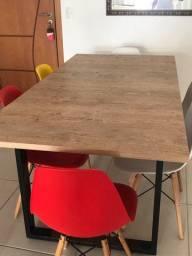Mesa com 6 cadeiras (seminova)