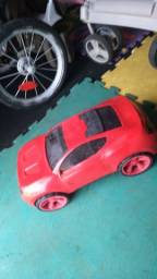 Lindo carrinho Ferrari conservado e grande
