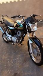 Titan 150 ES