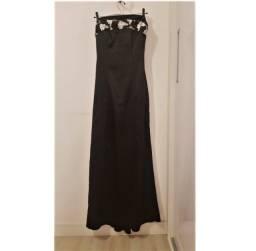 Vestido longo, preto, em cetim