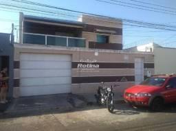 Casa para aluguel, 5 quartos, 3 suítes, 3 vagas, Planalto - Uberlândia/MG