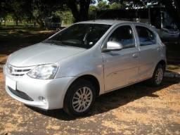 Toyota Etios X 1.3 Prata