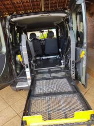 Carro adaptado para cadeirante
