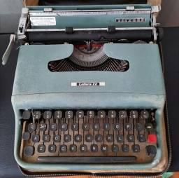 Máquina de escrever Oviletti Lettera 22