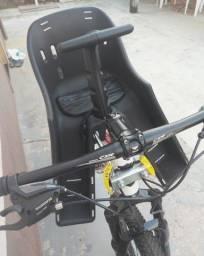 Cadeirinha infantil p/ bicicleta.