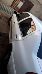 Clio sedan 16v 1.0