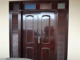Vendo porta e janela de madeira