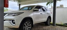 Toyota hilux sw 4 7 lugares 2017