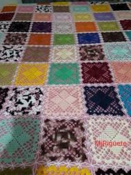 Colcha colorida em crochê