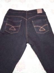 Calça jeans tam 40 com lycra