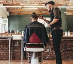 Barbeiro com experiência