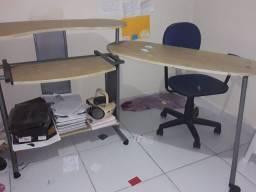 Mesa para computador Retrátil
