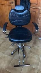 Título do anúncio: Cadeira Reclinável Barbeiro ou Cabeleireiro.