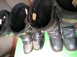 dois pares de bota trilha protork