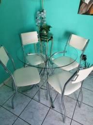 Mesa c/ 4 cadeiras semi nova!!
