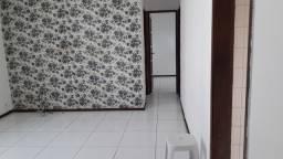 Título do anúncio: Apartamento 2/4, dependência R. Horácio Costa  Brotas.