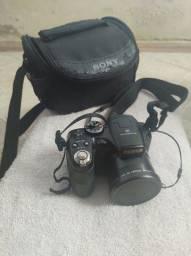 Camera semi profissional fujifilm + case + cartão SD 32gb + cabo HDMI