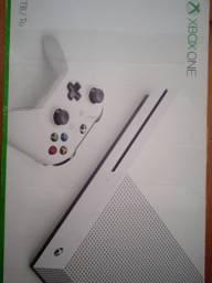 Vendo Xbox One S com nota fiscal.