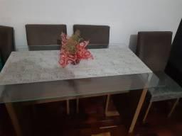 Vende-se excelente mesa nova