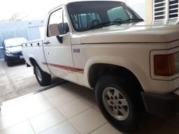 Vendo D20 conquest ano 1996 completa 4 pneus novos e emplacada 2018 - 1996