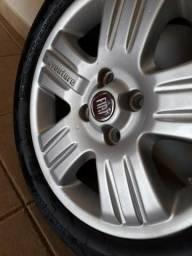 Rodas Fiat Strada Adventure com pneus Aro 15