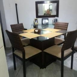 Mesa de vidro com cadeira