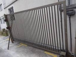 Portão estacionamento e pedestre