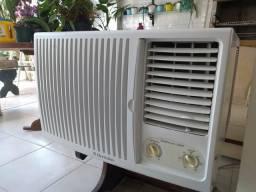 Ar condicionado janela Eletrolux18000 BTUs