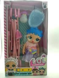 Boneca Lol Grande com carrinho de bebe faz xixi, fala .