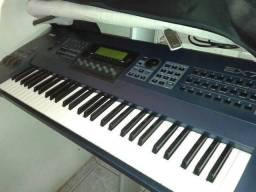 Yamaha EX-7 workstation