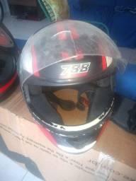 Dois capacetes 1 Sam Marino 56 e 788 58