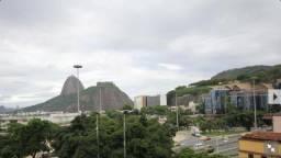 Gracioso apartamento de 2 quartos na esquina da praia de Botafogo