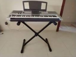 Teclado musical Yamaha PSR E403