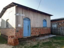 Vendo uma casa no distrito Industrial. Próximo ao Maison Borges