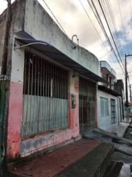 Casa no Bairro Santos Dummont.