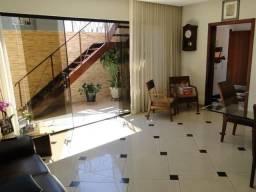 Casa Geminada à venda, 4 quartos, 1 suíte, 10 vagas, Fernão Dias - Belo Horizonte/MG