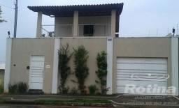 Casa à venda, 3 quartos, 2 suítes, 3 vagas, Santa Rosa - Uberlândia/MG