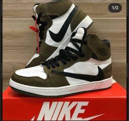 Nike Air original.