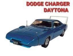 MINIATURA DODGE CHARGER DAYTONA 1969. ESCALA 1/43